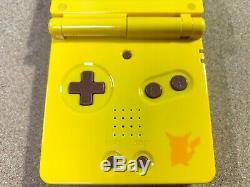 Nintendo Game Boy Advance Sp Console Pikachu Pokemon Center Limitée Couleur F / S